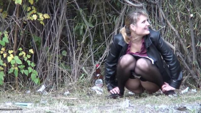 французское старые женщины писают видео скрытая камера больше волновали